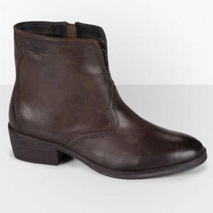 Levi's Charlotte Cowboy ankle boots